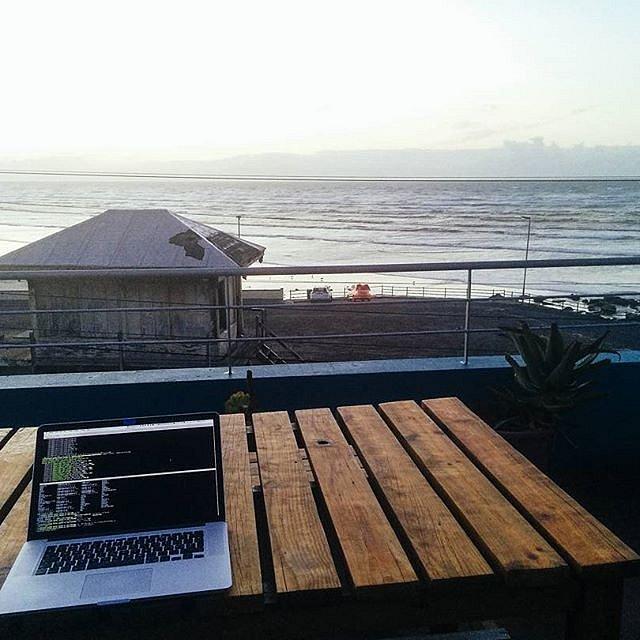 Welcome to my Office! Woke up early to get some work done. Watched the sunrise and supported our customers in Japan and Finnland while myself being in Capetown. Brave new world!